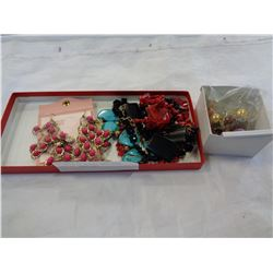 2 TRAYS OF BEADED AND OTHER VARIOUS JEWELLERY