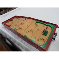ANTIQUE MUNRO GAMES LTD WOODEN TABLE TOP HCOKEY GAME