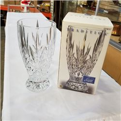 TRADITION CRYSTAL D-ARQUES VASE IN ORIGINAL BOX