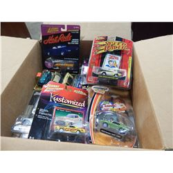 LOT OF 8 SPECIAL DIE CAST CARS HOTWHEELS, JOHNNY LIGHTNING ETC