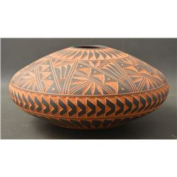 ACOMA INDIAN CERAMIC SEED JAR