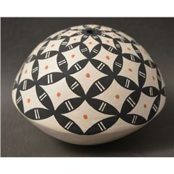 ACOMA INDIAN POTTERY SEED JAR ( YOULANDA TRUJILLO)
