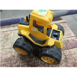 LITTLE TYKES PLASTIC TOY TRACTOR