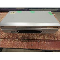 JVC VCR WITH REMOTE