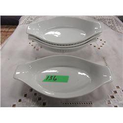 4 WHITE LASAGNA PANS
