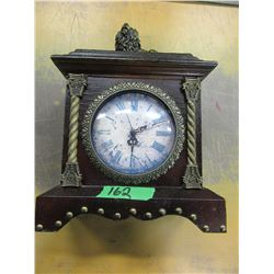 LION MOTIF MANTLE CLOCK WITH WOOD CASE (BATTERY OPERATED) (WORKING)