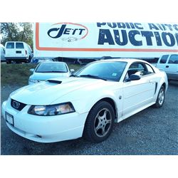 C5 --  2004 FORD MUSTANG , White , 167853  KM's