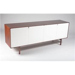 Florence Knoll-Walnut credenza