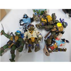 Lot of Vintage Teenage Mutant Ninja Turtle Action Figures