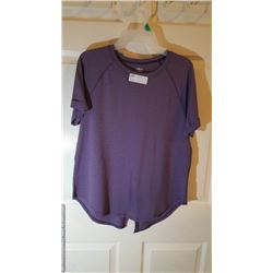 NEW WOMENS TOP MEDIUM