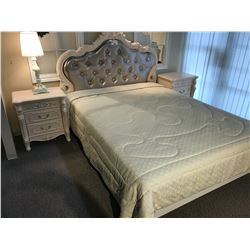 WHITE PEARL CARVED FLORAL DESIGN BEDROOM SET, INC. QUEEN BED, 2 NIGHT STANDS, 3 DRAWER VANITY AND