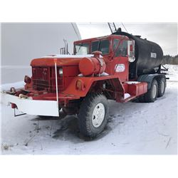1976 AMC OFF ROAD WATER TRUCK W / 3  HONDA PUMP.