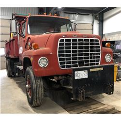 1972 FORD YARD TRUCK W / LONDON SANDER