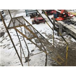 SHOP LADDER - 5' PLATFORM
