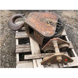 SKID LOT W / PULLEY & ROLLER