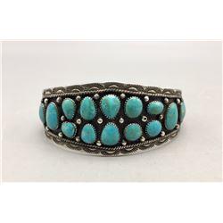 18 Stone Turquoise Cluster Style Bracelet