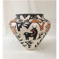 L. Joe Large Acoma Pot