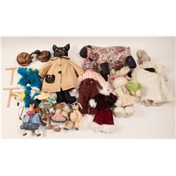 Collection of stuffed animals and puppets  (110485)