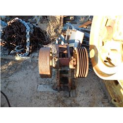 Small jaw crusher. Denver Fire Clay  (114220)