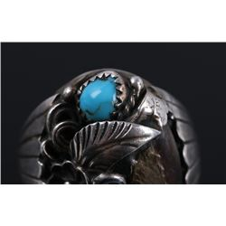 Signed Navajo Sterling Turquoise & Bear Claw Ring