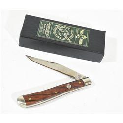 Queen Slimline Trapper #11 Pocket Knife