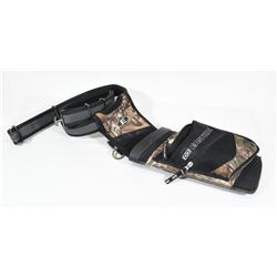 Easton Field Quiver with Belt