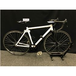 WHITE NO NAME SINGLE SPEED ROAD BIKE WITH FLIP-FLOP HUB