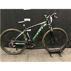 GREEN AND BLACK SCOTT ASPEN 24 SPEED FRONT SUSPENSION MOUNTAIN BIKE WITH FRONT AND REAR HYDRAULIC