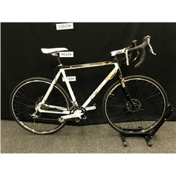 WHITE AND BLACK OPUS SEKHMET 20 SPEED ROAD BIKE WITH FRONT AND REAR DISC BRAKES, SECONDARY BRAKE