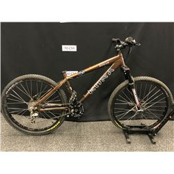 BROWN KONA COWAN 9 SPEED FRONT SUSPENSION DIRT JUMPING BIKE WITH FRONT AND REAR HYDRAULIC DISC