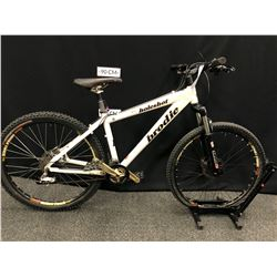 """WHITE BRODIE HOLESHOT 19 SPEED FRONT SUSPENSION BIKE WITH FRONT AND REAR HYDRAULIC DISC BRAKES, 16"""""""