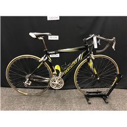 BLACK AND YELLOW GIANT OCR 27 SPEED ROAD BIKE, MEDIUM FRAME SIZE
