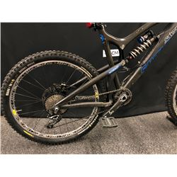 DARK GREY SANTA CRUZ NOMAD C FULL SUSPENSION DOWNHILL MOUNTAIN BIKE WITH FRONT AND REAR HYDRAULIC