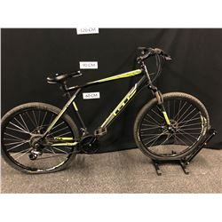 GREEN AND BLACK GT AGGRESSOR 21 SPEED FRONT SUSPENSION MOUNTAIN BIKE WITH FRONT AND REAR DISC
