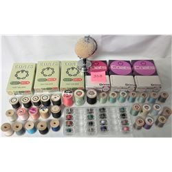 Lot of 32 vintage wooden spools thread. Chrome pin cushion, 16 bobbins, 6 cardboard 'Coats' boxes