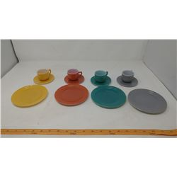 CHILDS ANCHOR HOCKING CUPS, SAUCERS AND PLATES SET - GREY, ORANGE YELLOW & TEAL