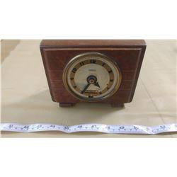 HAMMOND SYNCHRONOUS CLOCK