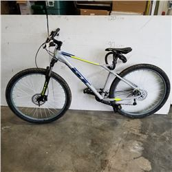 GREY GT AVALANCHE BIKE WITH HYDRAULIC DISC BRAKES