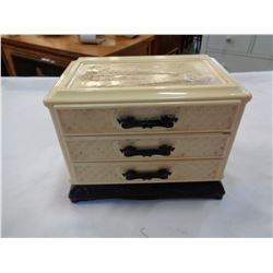 JEWELLERY BOX W/ CONTENTS