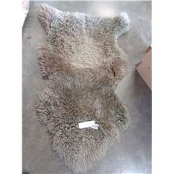 SHEEP SKIN THROW