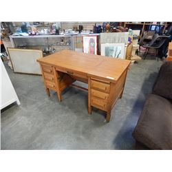 OAK DOUBLE PEDESTAL DESK W/ 7 DRAWERS