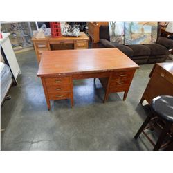 LARGE OAK DOUBLE PEDESTAL DESK W/ 7 DRAWERS