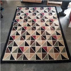ABSTRACT AREA CARPET APPROX 5 FOOT
