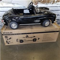 NEW KIDS RIDE ON MERCEDES 6 VOLT CAR WITH REMOTE, CHARGER, AND ORIGINAL BOX, RETAIL $499,