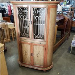 4 DOOR BAR UNIT W/ SLIDE OUT COUNTER - APPROX 6FT TALL
