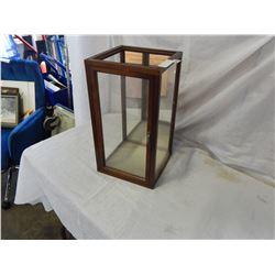 GLASS SIDE DISPLAY BOX