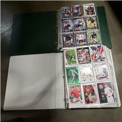 2 BINDERS OF BASEBALL AND FOOTBALL SPORTS CARDS