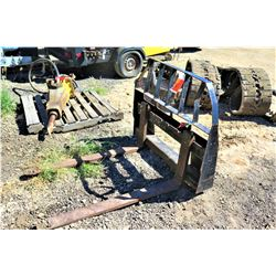 Quick Attach Pallet Forks for Skidsteer