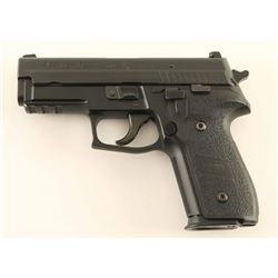 Sig Sauer P229 .40 S&W SN: AM86779