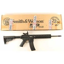 Smith & Wesson M&P 15-22 .22 LR SN: DWW4225